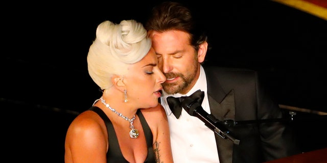"""Lady Gaga and Bradley Cooper perform """"Shallow"""" from """"A Star Is Born"""" at the Oscars, Feb. 24, 2019. (Reuters)"""