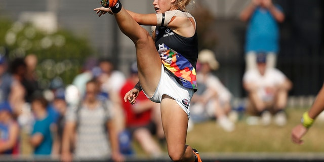 Tayla Harris of the Blues kicks the ball during the 2019 NAB AFLW Round 07 match between the Western Bulldogs and the Carlton Blues at VU Whitten Oval on March 17, 2019 in Melbourne, Australia.