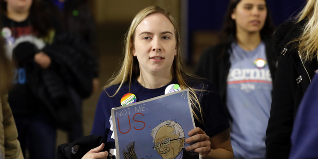 Supporters arrive for Sen. Bernie Sanders 2020 presidential campaign event at Navy Pier in Chicago, March 3, 2019. (AP Photo/Nam Y. Huh)
