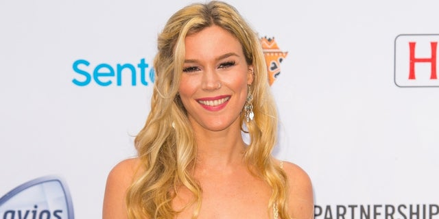 Joss Stone was called 'out of touch' by fans for sharing advice on happiness from the Bahamas.