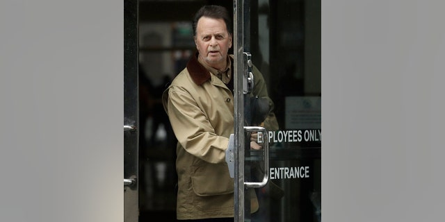 FILE - On February 25, 2019, file photo, Edwin Hardeman, left, a federal court in San Francisco. (AP Photo / Jeff Chiu)