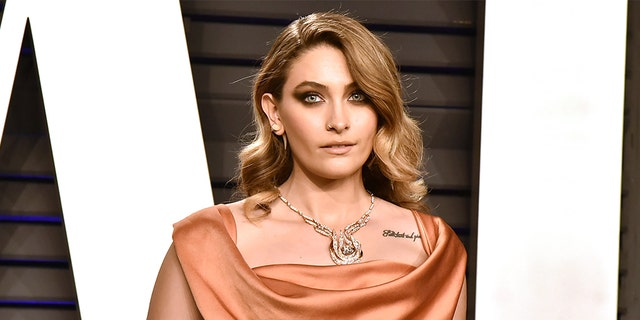 BEVERLY HILLS, CALIFORNIA - FEBRUARY 24: Paris Jackson attends the 2019 Vanity Fair Oscar Party at Wallis Annenberg Center for the Performing Arts on February 24, 2019 in Beverly Hills, California.