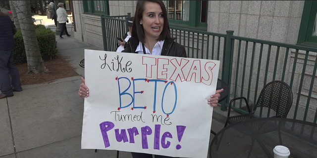 Former Republican New Hampshire voter Courtney Tobe said O'Rourke's message of unifying the country attracted her to the candidate.