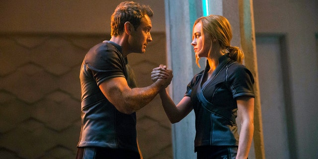"""Jude Law and Brie Larson in """"Captain Marvel"""""""