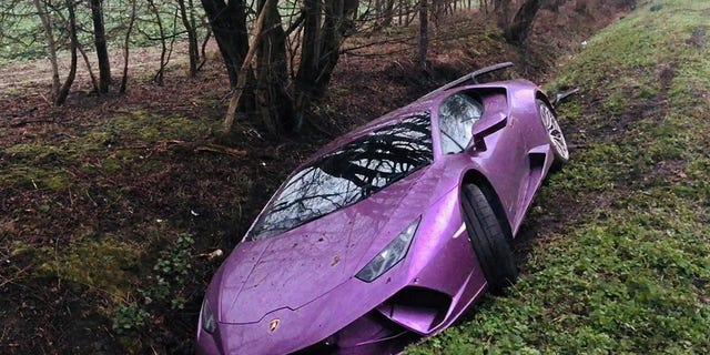 Bitcoin SV Supporter Crashes His Purple Lamborghini Into a Ditch