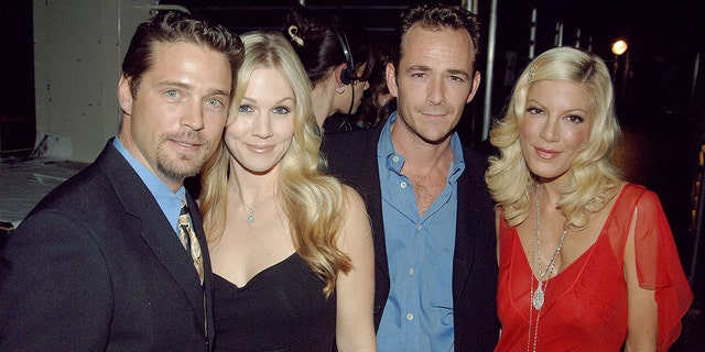 Jason Priestley, Jennie Garth, Luke Perry and Tori Spelling at the TV Land Awards in March 2005
