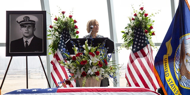 """""""He looked fear and death in the face and honor won out,"""" Charlotte Shaw told mourners at her husband Lt. Richard """"Tito"""" Lannom's funeral Saturday in Tennessee."""