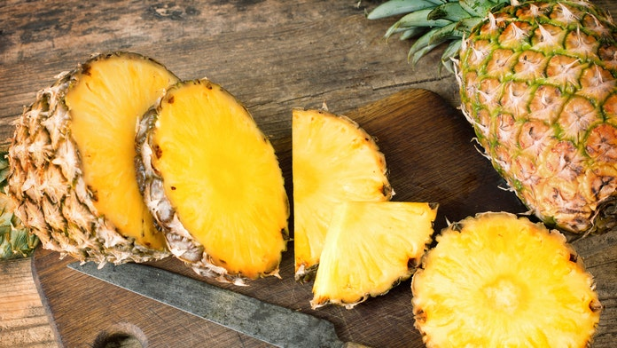 Twitter loses it after video showing how to 'peel and eat' pineapple goes viral: 'My whole life was a lie'