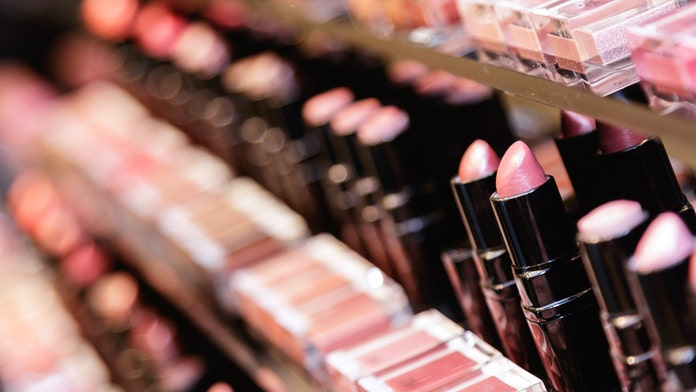 California bill would ban sale of makeup containing cancer-causing chemicals, toxins