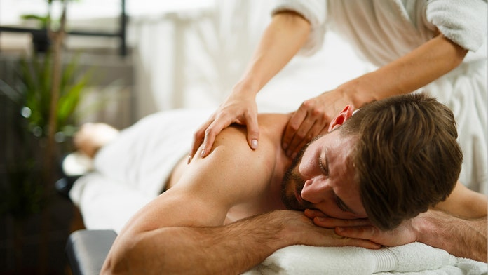 Dude gets some great massage