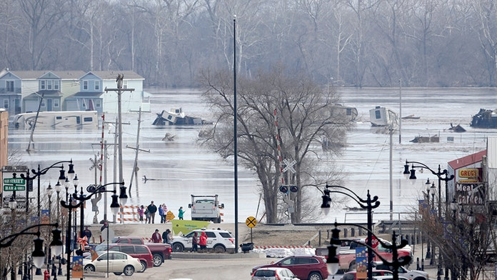 Midwest bracing for more 'unprecedented' flooding that has shattered record-high river levels