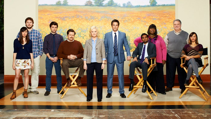 Amy Poehler reflects on 10-year anniversary of 'Parks and Recreation:' 'I'm just really overwhelmed'