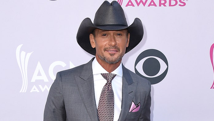 Democrat, country singer Tim McGraw tells people to 'vote their conscience' in 2020 election
