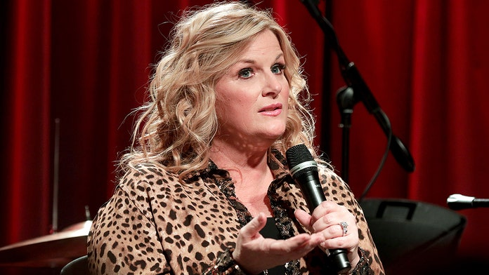 Trisha Yearwood suffered a major wardrobe malfunction onstage while touring with husband Garth Brooks