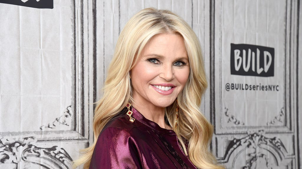 Christie Brinkley, 65, flaunts incredible bikini bod