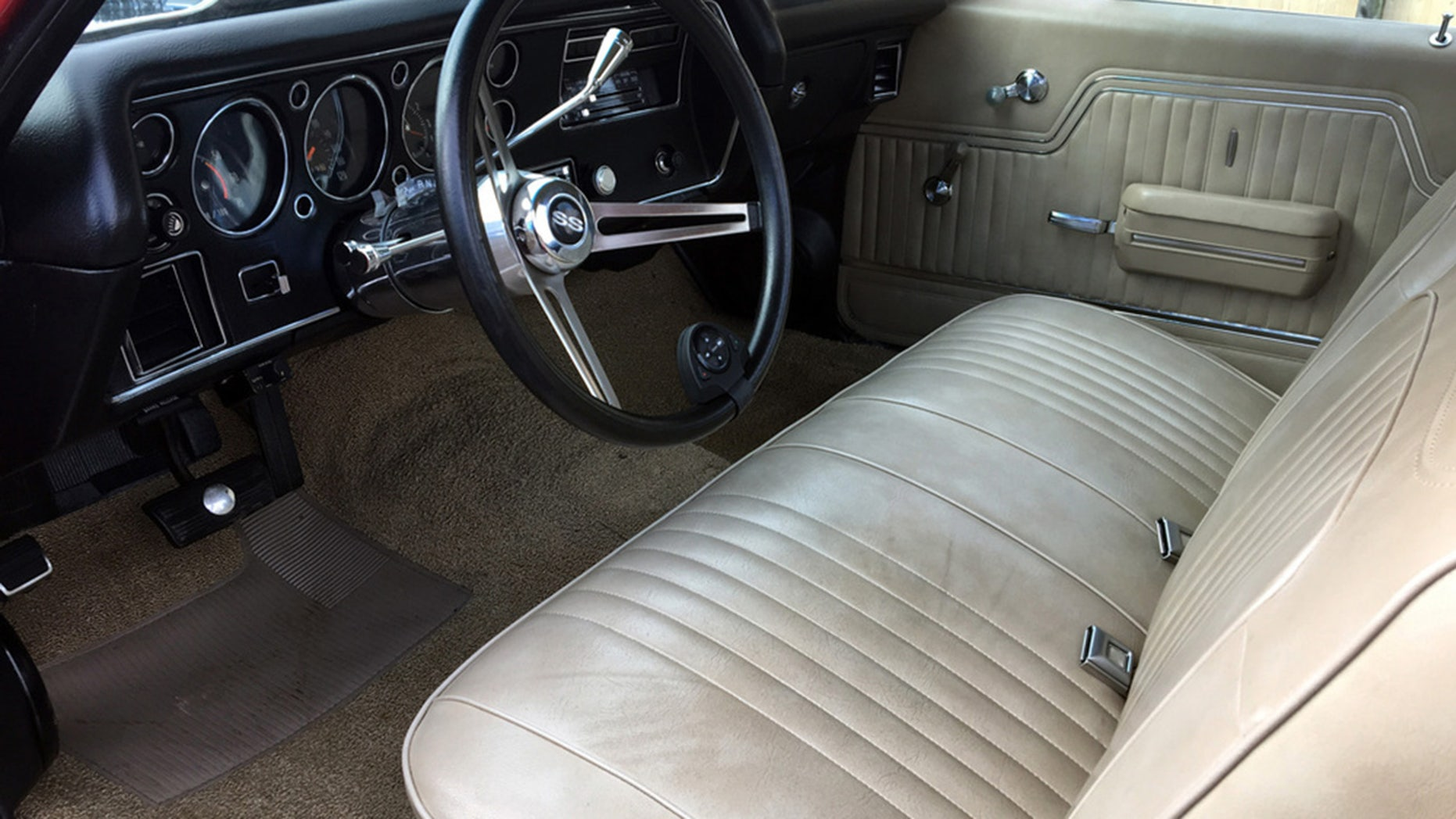 Jimmy Buffet's 1972 Chevrolet El Camino SS Interior