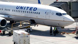 United Airlines employee accused of calling customer racially charged word faces misdemeanor charge: report