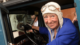 Berlin businesswoman, feted for driving around world, dies