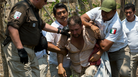 Mexican police detain hundreds of Central American migrants
