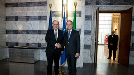 Italy, France aim to chart common strategy on violent Libya