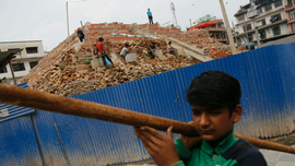 Nepal quake-hit villages struggle with reconstruction
