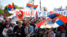 Thousands gather for rally supporting populist Serbia leader