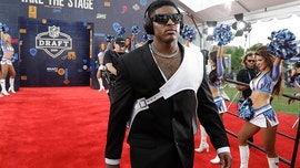 Glitz, gaudy fashion at NFL Draft: Football players show off style on red carpet