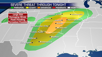 Severe storms threaten Central US; snow blankets Central Rockies