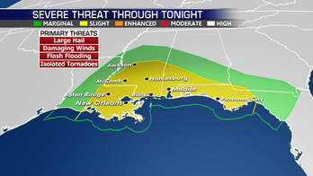 Threat for severe storms in central Gulf Coast; possible record-high temperatures for Southwest