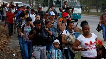 Caravan with hundreds of migrants leaves Honduras towards US