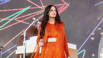 Kacey Musgraves shuts down Australian audience's 'shoey' request: 'I'm not f---ing drinking out of your shoe'