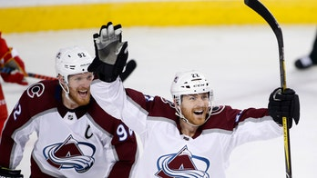 Avalanche beat Flames 5-1 in Game 5 to advance to 2nd round