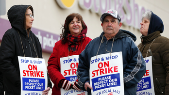 Rabbis: 'Not kosher' to buy at grocery store during strike
