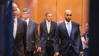 The Latest: No quick verdict in Minneapolis cop's trial