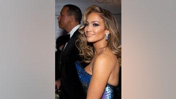 Get the Look: Jennifer Lopez's radiant skin