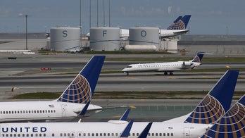 San Francisco airport runway temporarily shuts down over pothole