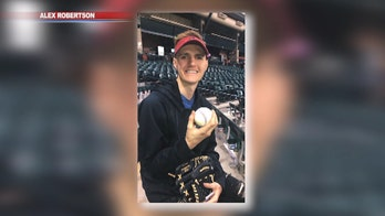 Arizona Diamondbacks fan dedicates home run ball to late father