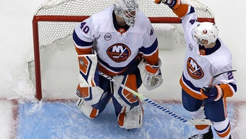 Islanders top Penguins 4-1 to take 3-0 series lead