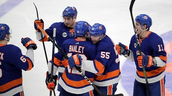 Bailey lifts Islanders past Penguins 4-3 in OT in Game 1