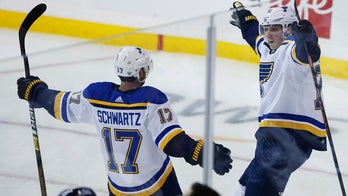 Sundqvist scores twice, Blues edge Jets 4-3 to take 2-0 lead