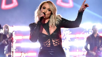 Miranda Lambert criticized, clears air after sharing throwback photo with 'Tiger King' star Joe Exotic