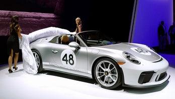 2019 Porsche 911 Speedster strips down to its birthday suit