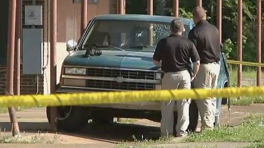 Oklahoma mom says three children hit by police during shootout