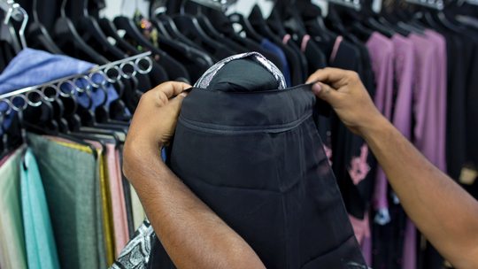 After Sri Lanka blasts, government targets the niqab veil