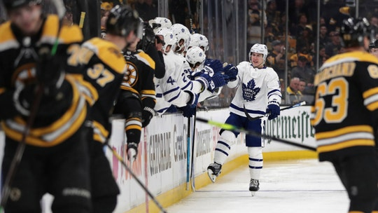 Marner has 2 goals, including penalty shot, Leafs top Bruins