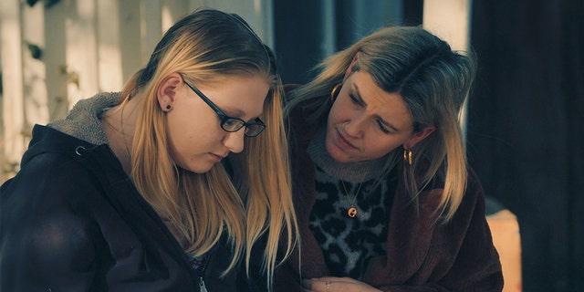Heather tells Ellie her fears of her ex-partner finding her.