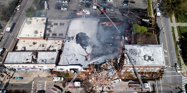"One person has been killed and at least 17 are injured after an explosion and massive fire at a building in downtown Durham, North Carolina on Wednesday<br data-cke-eol=""1"">"