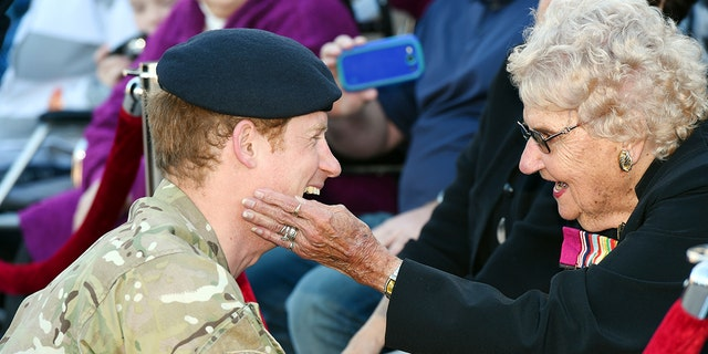 Daphne Dunne, an Australian citizen who was known to be a big fan of Prince Harry, has died at the age of 99.