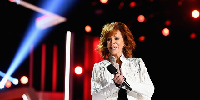 Reba McEntire hosts the 53rd Academy of Country Music Awards at MGM Grand Garden Arena on April 15, 2018 in Las Vegas, Nevada.