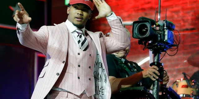 Kyler Murray described his breeze night fit as a reverence to Leonardo DiCaprio's impression in a film The Great Gatsby. (AP Photo/Mark Humphrey)
